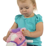 Candy 2-in-1 Pony sings with a synchronized moving mouth